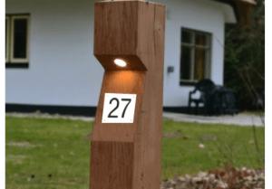 eiken-buitenverlichting-klein-huisnummer